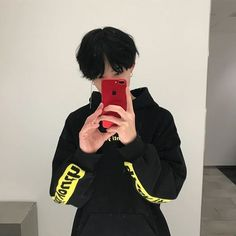 Find images and videos about boy, asian and ulzzang on We Heart It - the app to get lost in what you love. Korean Boys Ulzzang, Ulzzang Couple, Ulzzang Boy, Korean Men, Cute Asian Guys, Cute Korean Boys, Asian Boys, Asian Men, Pretty Boys
