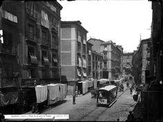 Madrid, Calle de Toledo, hacia 1890. Laurent. Archivo Ruiz de Vernacci. Ministerio de Cultura, España.