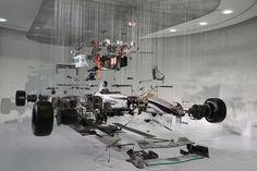 Exploded-F1-Car-Model-at-Mercedes-Benz-World-02.jpg (500×333)