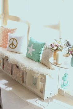 Make a comfy reading bench with a BESTÅ unit | Seating and storage combined! | Discovered on Boho Deco Chic