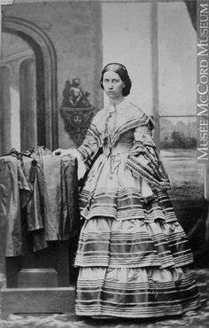 Photograph  Unidentified woman, Montreal, QC, 1861  William Notman (1826-1891)  1861, 19th century  Silver salts on paper mounted on paper - Albumen process  8.5 x 5.6 cm  Purchase from Associated Screen News Ltd.  I-0.193.1  © McCord Museum