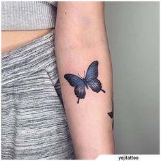Blue Butterfly Tattoo On Arm Mini Tattoos, Blue Ink Tattoos, Cute Tattoos, Body Art Tattoos, Small Tattoos, Piercing Tattoo, Arm Tattoo, Sleeve Tattoos, Gold Tattoo