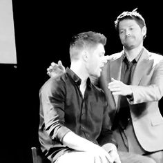 There's a bit of a story here: Jensen has pretty bad shyness in front of crowds. He doesn't do well alone in front of panels. He was having a particularly bad day today, so one of the people directing the panels sent out Misha to help Jensen. First thing Misha did upon going out on stage to back up Jensen was this gif. Bit of support.