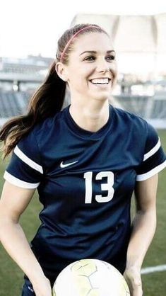 Nationwide and Pro Soccer Player Alex Morgan Football Players Images, Female Football Player, Good Soccer Players, Us Soccer, Play Soccer, Soccer News, Soccer Stars, Nike Soccer, Soccer Cleats