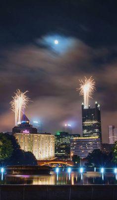 Moon over Pittsburgh, Pennsylvania