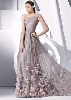 Seleção de vestidos longos para madrinhas e convidadas [Foto]