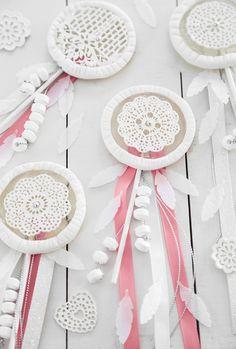 New Post from Sprinkle Bakes - Dream Catcher Lollipops