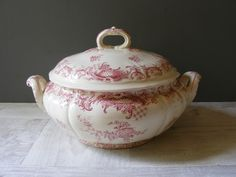 Vintage  French Villeroy &Boch Red Transferware Soup Tureen. by GrisSourisBrocante on Etsy https://www.etsy.com/listing/198297437/vintage-french-villeroy-boch-red