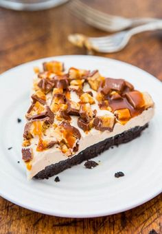 No-Bake Peanut Butter Snickers Pie with Salted Caramel