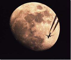 LUNA GIGANTE IN ARRIVO! Questa apparirà infatti più grande, più vicina e più luminosa del solito nella notte tra il 5 e 6 Maggio grazie al perigeo lunare. Sarà luna piena Sabato 5 Maggio poco dopo le 23 ;) http://www.3bmeteo.com/giornale-meteo/super-luna-nel-weekend--57411