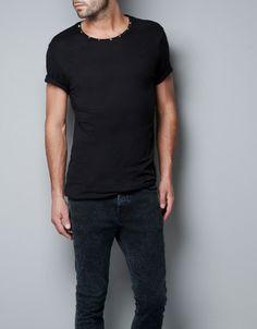 Boom! T-SHIRT WITH STUDDED NECKLINE - T-shirts - Man - ZARA