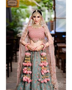 Image may contain: one or more people and people standing Bridal Mehndi Dresses, Indian Wedding Gowns, Desi Wedding Dresses, Indian Bridal Lehenga, Indian Bridal Outfits, Indian Designer Outfits, Indian Dresses, Wedding Bride, Wedding Lehenga Designs