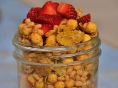 Gluten-Free Cereal Jar http://www.prevention.com/food/healthy-recipes/10-amazing-mason-jar-recipes/gluten-free-cereal-jar