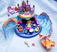 "1996 Ariel ""Undersea Kingdom"" Polly Pocket :: Bluebird :: Mattel :: Tiny Collection"