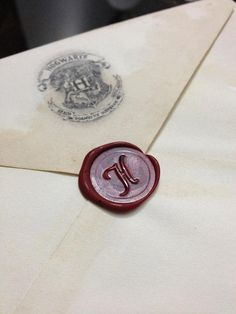 Customized Hogwarts acceptance letter! Perfect gift for anybody under 30... I know we're all still waiting for our letter........FRIENDS I WANT THIS.