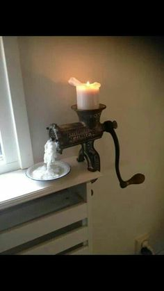 Meat left over candle holder – upcycling ideas for decor and furnishings – … - All For Home İdeas Types Of Furniture, Furniture Projects, Furniture Design, Deco Originale, Rustic Style, Rustic Furniture, Candlesticks, Decoration, Farmhouse Decor
