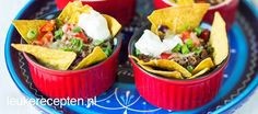 Video: mini nacho's uit de oven I Love Food, A Food, Food And Drink, Easy Healthy Recipes, Easy Meals, Mini Hamburgers, Mini Tortillas, Night Food, Mini Foods