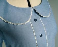 Tutorial: How to apply a lace trim to a Peter Pan collar