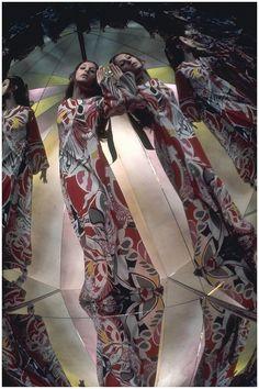Marta Mont,t Photo Raymundo de Larrain, Vogue, March 1969