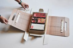 Designed by Amy Louise Baker , United Kingdom. Supermarket packaging for a Chinese meal for two. The inner package structure is based on. Smart Packaging, Food Packaging Design, Packaging Design Inspiration, Brand Packaging, Box Packaging, Takeaway Packaging, Branding Design, Nasi Lemak, Bento Box