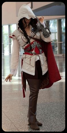 Female Assassins Creed. I LOVE THIS. Needs more cleavage though. If I wanna be a bad ass I'll do it with awesome boobies :)