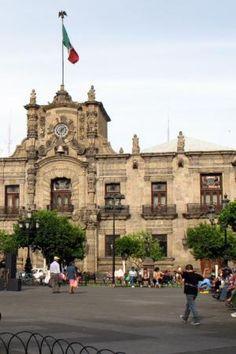 Guadalajara Palacio de Gobierno - © Suzanne Barbezat
