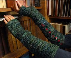 Easy Crochet Wristers Crochet Pattern   Tunisian crochet pattern (supposedly works up quickly)