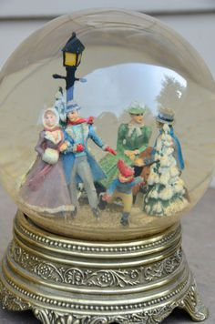 antique christmas snow globe | Christmas Snow Globes