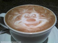 101 Coffee Latte Art Pieces (http://findflux.com/latteart)