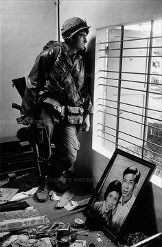 Tet offensive, Battle of Hué, Vietnam, February 1968 Vietnam History, Vietnam War Photos, North Vietnam, Vietnam Veterans, American War, American Soldiers, Churchill, Leiden, War Image