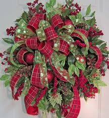 Google Image Result for http://ladybugwreaths.com/doorwreaths/wp-content/uploads/2012/06/Christmas%2520Wreaths%2520332.jpg