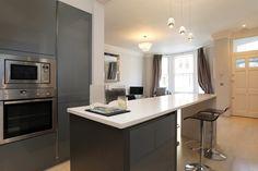 Grey gloss handleless kitchen