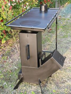 rocket stove and grill Building A Gravity Feed Rocket Stove Pagetitle Video — Responsive Multi-purpose HTML Template Build a simple rocket stove in 30 minutes or less! Discover thousands of images about Rocket stove. Metal Projects, Welding Projects, Blacksmith Projects, Welding Tools, Welding Art, Woodworking Projects, Diy Projects, Stove With Griddle, Stove Oven