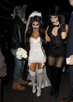 Halloween costume ideas inspired by celebrities - from quick easy looks to the truly unique and terrifying. Browse our picks of the best Halloween outfits for inspo on the ultimate scary fancy dress. Zombie Bride Costume, Halloween Bride Costumes, Best Celebrity Halloween Costumes, Cool Costumes, Costumes For Women, Best Costume, Halloween Outfits For Women, Costume Ideas, Bloody Halloween