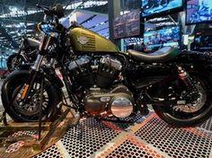 Novo modelo da Harley Forty-Eight (48) no estande da Harley-Davidson no Salão Duas Rodas 2015 (Foto: Flavio Moraes/G1)