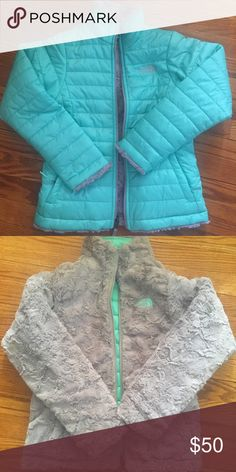 Girls NWOT 10 North Face reversible mint jacket Given as a gift to my daughter and she already had the exact jacket. She loves it just doesn't need two!  FEATURES OF THE NORTH FACE GIRLS' REVERSIBLE MOSSBUD SWIRL JACKET  Horizontal quilting through body on taffeta side Welt zippered hand pockets on taffeta side Welt hand pockets on fleece side Embroidered logo at left chest and back right shoulder The North Face Jackets & Coats
