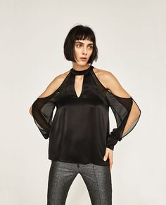 Image 2 of OFF-THE-SHOULDER BLOUSE from Zara