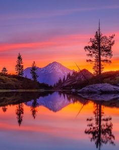 "coiour-my-world: ""Morning Glow ~ Kenji Yamamura ~ Mount Shasta "" Landscape Photography, Nature Photography, Water Reflections, Beautiful Places In The World, Nature Scenes, Beautiful Sunset, Nature Pictures, Amazing Nature, Pretty Pictures"