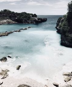 Discovered by Find images and videos about summer, blue and aesthetic on We Heart It - the app to get lost in what you love. Beach Aesthetic, Summer Aesthetic, Santorini Greece Vacation, Greece Travel, Wanderlust, Landscape Illustration, Illustration Art, Adventure Is Out There, Ravenclaw