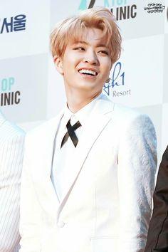 Rose gold-haired sunshine aesthetic: Youngjae, Arrival era