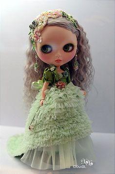 Blythe customized by Freddy Tan.