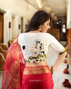 goddess durga blouse designs for durga pooja 4 Blouse Back Neck Designs, Saree Blouse Patterns, Saree Blouse Designs, Ethnic Fashion, Indian Fashion, Hollywood Model, Stylish Sarees, Durga Puja, Durga Goddess