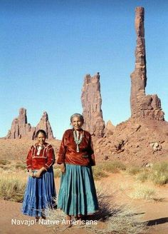 We lived in Arizona for two and a half years. Mom always appreciated the Navajo… Native American Beauty, Native American Photos, Native American Tribes, Native American History, American Indians, American Symbols, Indian Tribes, Native Indian, Native Art