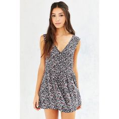 Ecoté button up floral romper NWOT So comfortable, looks great on any body type because there is no elastic waist, it just slips on and looks adorable. Has pockets too! Urban Outfitters Pants Jumpsuits & Rompers