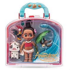 This mini Disney Animators' Collection playset captures the heart-warming moment when baby Moana met the ocean! It includes an adorable Animators' Collection Moana doll, fun accessories and detailed figures of Pua and Hei Hei. Collection Disney, Disney Animators Collection Dolls, Moana Birthday Party, Moana Party, Disney Princess Dolls, Disney Dolls, Disney Princesses, Lol Dolls, Barbie Dolls