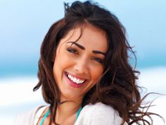 Weatherproof beauty featuring the Weather Channel's Stephanie Abrams and her tips.