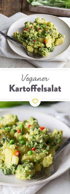 Leicht, lecker und gesund: Dieser cremige Kartoffelsalat kommt ganz ohne tierische Inhaltsstoffe aus und ist schnell gemacht.