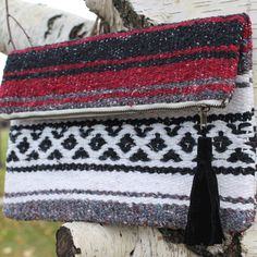 #DIY Upcycled Clutch | The perfect gift for a truly trendy gal. No two will be exactly the same!