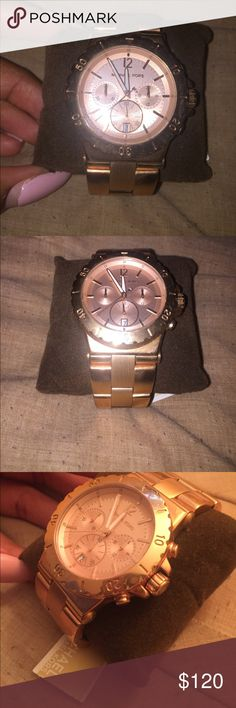 Never worn Rose Gold Michael Kors Watch Rose Gold MK Watch ( New with Tag) Michael Kors Accessories Watches