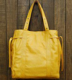 Bolsa amarela couro estampa cobra. Mab Store - www.mabstore.com.br